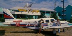 Estacionado em frente ao hotel em Trujillo, Honduras.