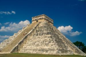 O magnífico pirámide de Kukulkan, em Chichen Itza, Yucatan. Foto Margi Moss