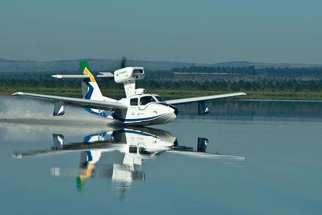 aviao anfibio pouso na água